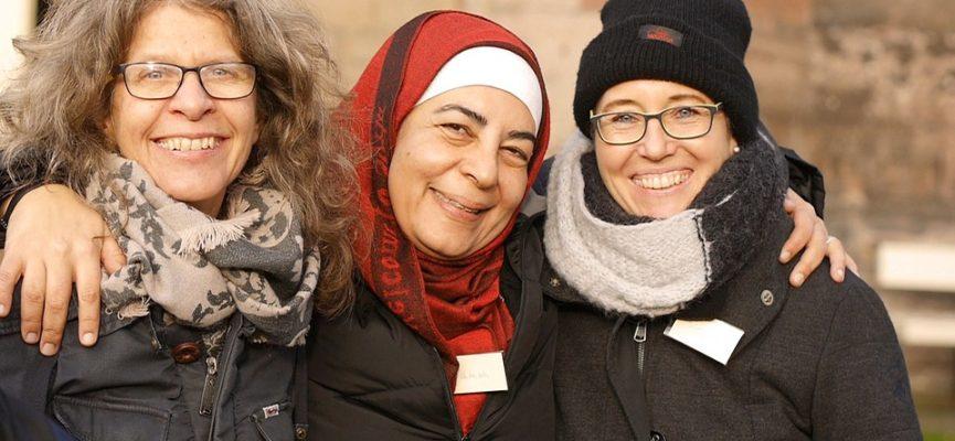 Afbeelding bij Onderzoek onder asielzoekers en statushouders over vrijwilligerswerk